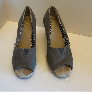 Toms Womens Wedges Gray Peep Toe Size: 6